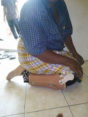 sholat dengan kaki palsu