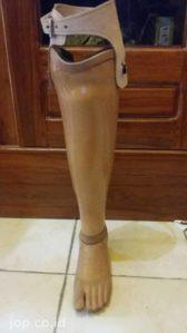 pembuat kaki palsu di Bali